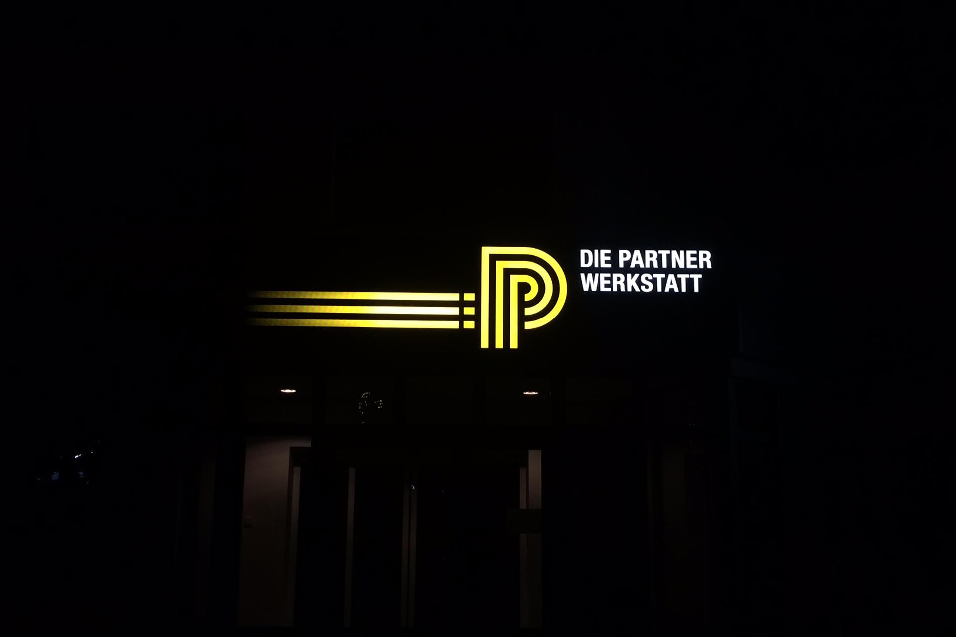 HUK Partnerwerkstatt Lichtwerbung
